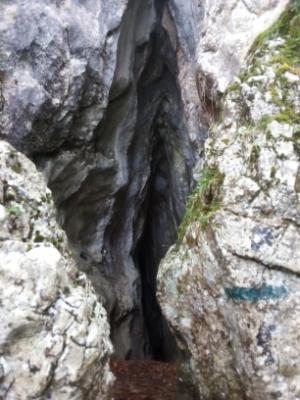 entrée grotte aux oeufs sainte baume
